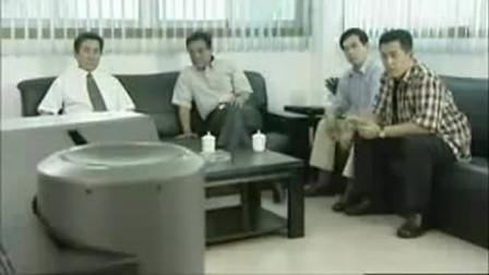 影视:董事长遭到记者的质问,把官叫来施加压力,难办