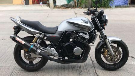 摩托车机油品种多该怎么选?老王分享几招,可以轻松解决
