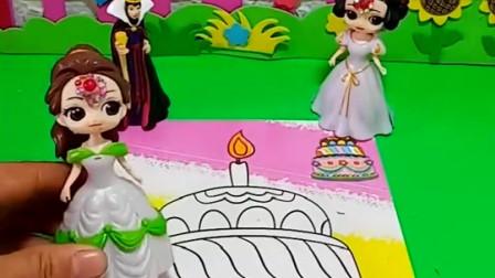 白雪给母后画的生日蛋糕,还没涂色就被贝尔涂坏了,还好可以擦掉