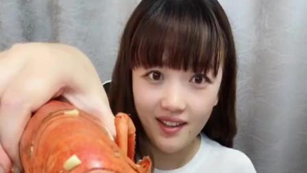 美女直播吃大龙虾,看了一眼就知道公母,这是怎么分辨的