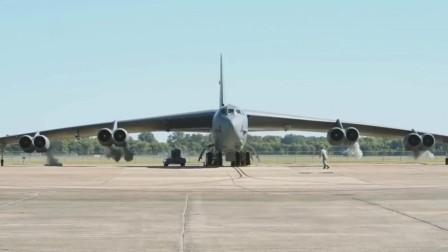 硬管式加油速度快B-52战略轰炸机空中加油