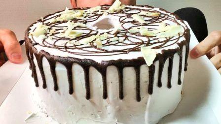 ☆ Yumaゆま ☆ 巧克力滴落奶油圆环戚风蛋糕(配烤土司、森永巧克力脆皮冰淇淋排、奶油、巧克力酱)食音咀嚼音(新)