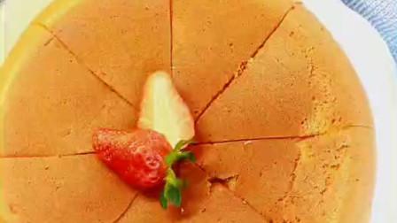 想吃蛋糕没有烤箱怎么办?教你用电饭煲做蛋糕,松软又香甜,真简单