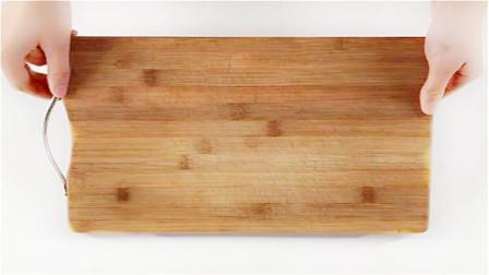 菜板用久了,发黑发臭不要扔!菜板上撒一把,轻松洗净不发霉发黑