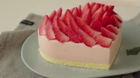 自制草莓芝士布丁