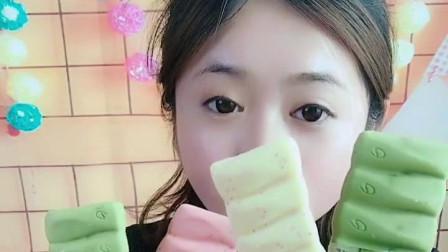 萌姐试吃:小猪佩奇棒棒糖,果冻巧克力,彩色糖果,奶油蛋糕第451期