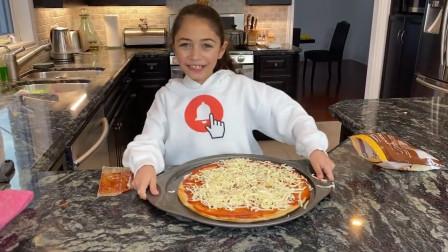 太厉害了吧,小萝莉如何自制超美味芝士披萨?亲子游戏儿童故事过家家