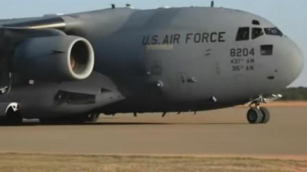 这就是战术运输,C-17在土质跑道上降落撤离海马斯火箭炮