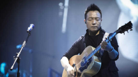 华语摇滚标杆之一!许巍演唱《曾经的你》,直叫人泪流满面