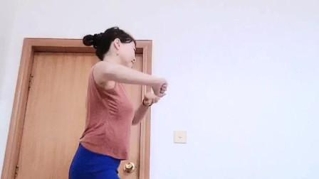 玲珑广场舞  【我在KTV里唱伤心的歌】编舞  杨丽萍