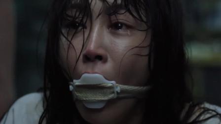 少女被继父欺辱后,又被禁足疯人院,电影最后一分钟神反转