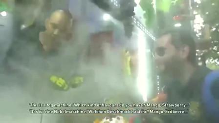 老外在中国:德国人第一次吃中国芒果杯,赞叹不已,好喝到舔杯子!