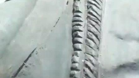 这是古代专门为太监净身的刀,这满满的铁锈,让人不寒而栗