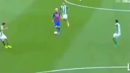 这就是战神梅西! 将球传给3秒后的自己, 简直是足坛神迹