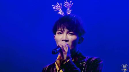 歌手:周深现场演唱的《花开》真的开口跪啊!