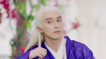 枕上书:高伟光朝李东恒竖大拇指,看来他的表现让帝君很无语啊!