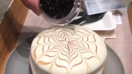 网红爆浆珍珠奶茶蛋糕,撒上珍珠的那一刻最有灵魂,看的我都流口水了!