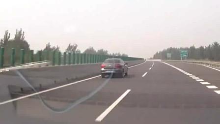 高速上被大众故意别车,但视频车竟没理由怪他