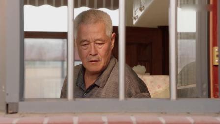 药丸子做饭,谁料刘老根却在窗台上发现菜汤,下秒小伙回答亮了!