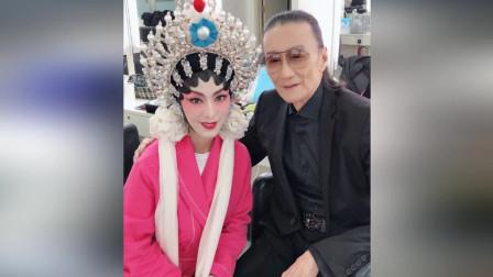 65岁米雪晒京剧造型超惊艳 与谢贤再同框宛如吃了防腐剂