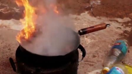蝗虫成灾农民把它们抓来下油锅 一番尝试后竟有意外收获