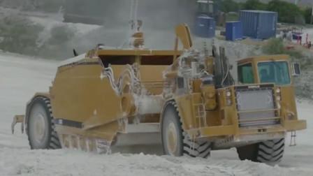 不用装载机自己铲自己运输,铲运车开采石膏矿石