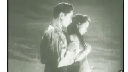 夜半歌声:小剧团的诡异,却引出了丹萍和晓霞凄惨的爱情故事