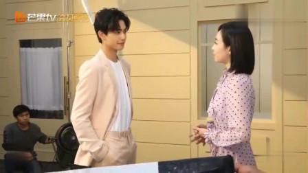 花絮:宋威龙:太黑了,后期可以磨皮吗?宋茜:当然要给您磨皮啦