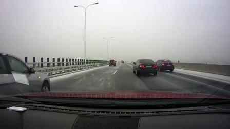 高速路上, ,前车突然来个刹车, ,这操作太吓人了!