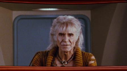 邪恶可汗前来复仇,寇克船长为保船员生命,主动要求牺牲自己