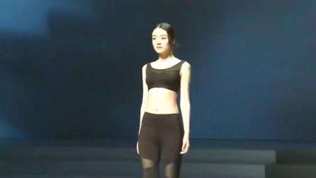 时装秀:2019SIUF Hodo内衣发布会走秀,内容过于真实,时尚总让人感动!