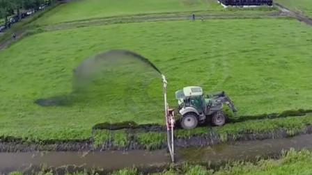 淤泥喷洒田野成为有机肥,拖拉机泵喷清淤