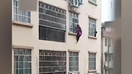 惊险一瞬!广西轻生女子4楼坠落,热心群众徒手接人