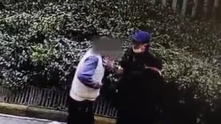 男子醉酒后在小区闹事 摘取他人佩戴的口罩对其他业主咳嗽