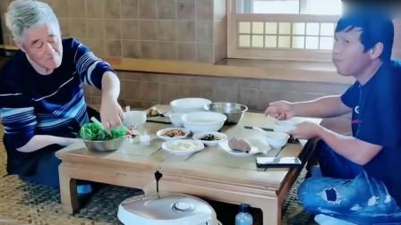 综艺:本山小宝直播好好吃饭,一桌素菜太朴实了,我从头看到尾!
