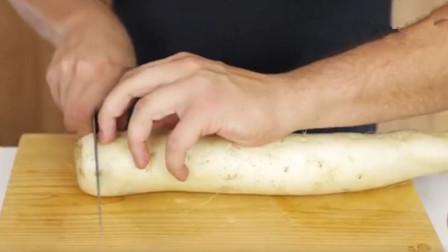 米其林大厨能将面包切成80片,中国大厨拿出萝卜,成品惊艳全场
