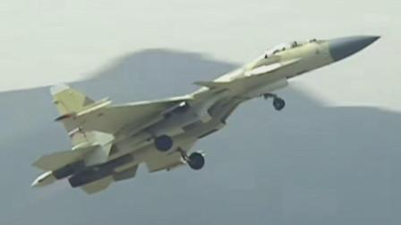 俄罗斯苏-35展示强劲的超机动能力