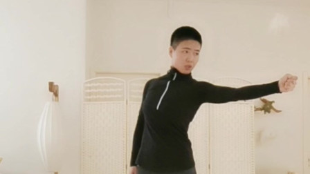 增气力的方法|道家传统八段锦第7式:攥拳怒目增气力|罗子真讲解