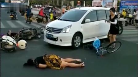 十字路口3名女司机乱成一团,要不是视频拍下,都不知有多无助