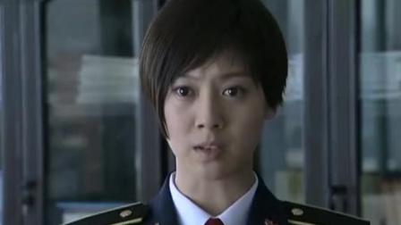女兵校外打架校长要开除,哪料首长霸气怒怼:要是我一样揍他!