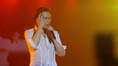 温兆伦演唱《随缘》展示超凡嗓音,一开口就将现场观众俘获,永远听不厌