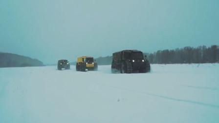 奔驰在西伯利亚恶劣气候的俄罗斯全地形车