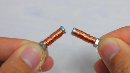 电动马达两边放上两个缠有铜丝的螺丝,真是脑洞大开的创意