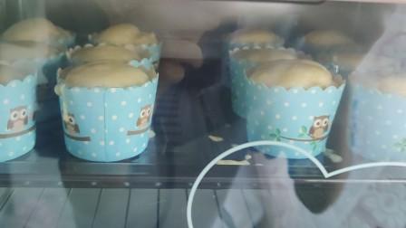 泥po没有 电动打蛋器的初次纸杯蛋糕制作诶嘿~