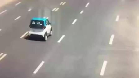 宝骏E100超小型电动汽车对撞奥迪Q7
