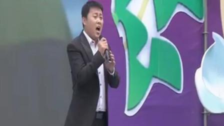 草根大咖刘大成演唱《美丽乡村》,歌声嘹亮,唱响在肥城大地