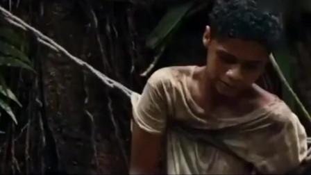 惊悚:女子被铁链拴在丛林里,连杀两人,绝处逢生!