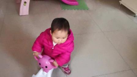 小宝宝骑车 小宝宝爱骑车(二宝一周零五天了)