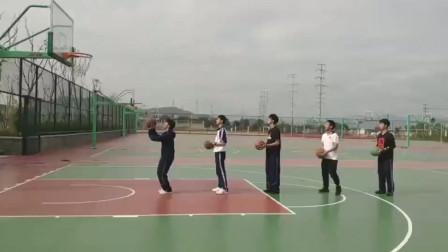 篮球场上看小伙子们投球,这么好的技术,长大不得了啊