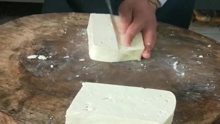 十年经验老厨师切豆腐,又快又漂亮,又学了一招